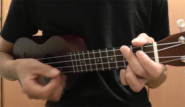 ウクレレをギターのピックで弾く5つのメリット